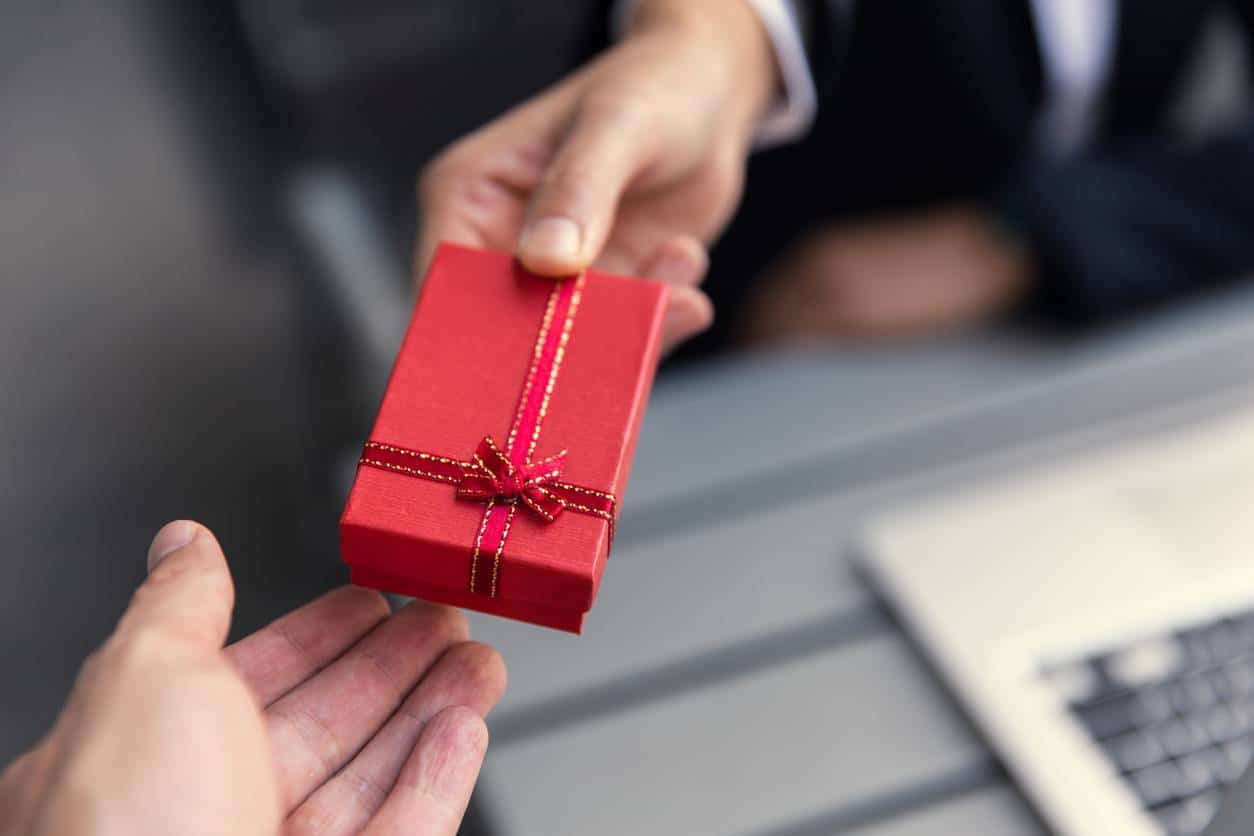 boîte-cadeau d'entreprise personnalisée
